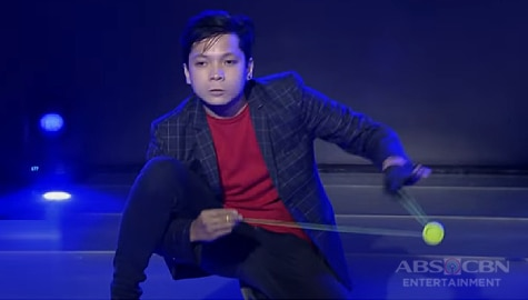 It's Showtime: Yoyo tricks ni Pa-bili Idol, wagi sa Versus Weekly Finals Image Thumbnail