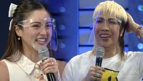 Kim Chiu, nakatanggap ng text message kay ma'am Cory matapos mag knock-knock joke | It's Showtime  Image Thumbnail