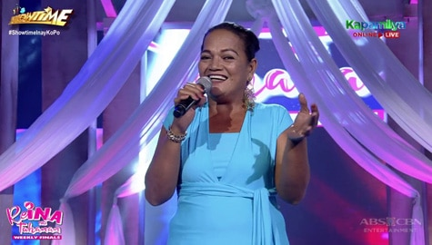 It's Showtime: Editha De Leon, ibinida ang kanyang talento sa pag-awit sa ReiNanay ng Tanghalan weekly finals! Image Thumbnail
