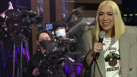 It's Showtime: Vice Ganda, hinanap kung sino ang mga cameraman na pumalakpak kay ReiNanay Leona Image Thumbnail