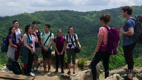 Make It With You: Gabo, nag-hiking kasama ang kanyang mga empleyado Image Thumbnail