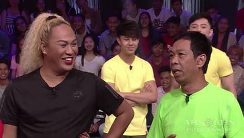 Minute To Win It: Long, naging interpreter ni Negi sa question and answer portion Image Thumbnail