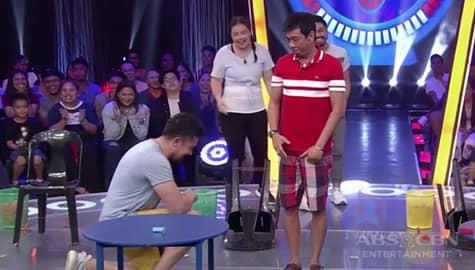 Minute To Win It: Luis, napaluhod sa harap ni Long matapos mamangha sa kanyang bagong magic! Image Thumbnail