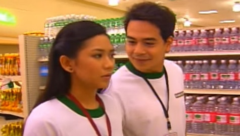 THROWBACK: John Lloyd Cruz and Sarah Geronimo's kilig scene in MMK Image Thumbnail