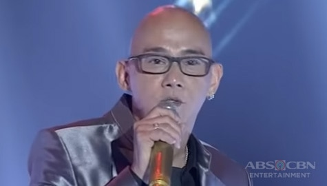 TNT 2 Huling Tapatan: Steven Paysu serenades crowd with a medley performance of Barry Manilow's hits Image Thumbnail