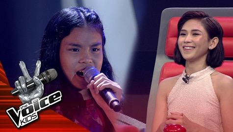 """Blind Auditions: Angel Andal takes Coaches' breath away with stunning """"Sino Ang Baliw"""" cover 