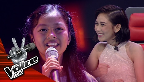 "Blind Auditions: Camille Dulay surprises Coaches with her ""Complicated"" performance 